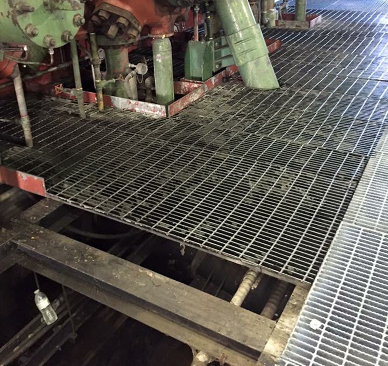 Grating installation near gas lines